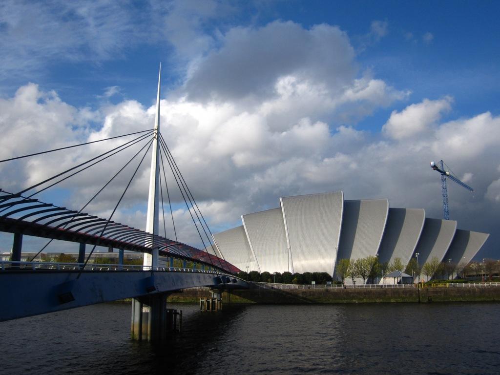 Jembatan Menarik di Glasgow