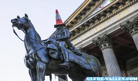 Mengunjungi Museum di Glasgow